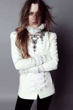 http://www.fashiongonerogue.com/riley-keough-looks-like-royalty-in-town-country/