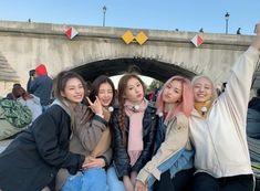 Image about kpop in ITZY by Glossy Gloss on We Heart It Kpop Girl Groups, Korean Girl Groups, Kpop Girls, K Pop, Lgbt, Korean Best Friends, Ulzzang Girl, New Girl, South Korean Girls