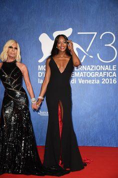Donatella Versace et Naomi Campbell au 73ème Festival de Venise