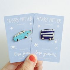 Harry Potter Ford Anglia Pin by LisaJunius on Etsy Bijoux Harry Potter, Cadeau Harry Potter, Harry Potter Pin, Choses Cool, Geek Mode, Beads Jewelry, Jewellery, Jacket Pins, Pin And Patches