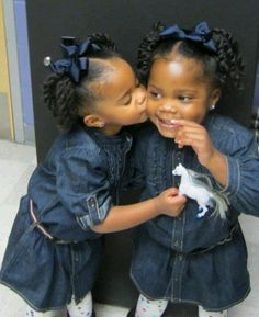 30 Cute and Easy Natural Hairstyle Ideas For Toddlers - Modernes Cute Black Babies, Beautiful Black Babies, Cute Twins, Beautiful Children, Cute Babies, Black Twins, Black Twin Babies, Leda Muir, Scene Hair