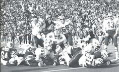 Oregon fullback Jeff Wood dives for a touchdown vs. WSU 1978. Oregon football 1978. From the 1979 Oregana (University of Oregon yearbook). www.CampusAttic.com