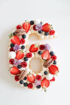 bday cakes for women ; bday cake for men ; bday cake for girl ; bday cake for boys ; bday cake for husband ; bday cake ideas for women Number Birthday Cakes, Number Cakes, Fruit Birthday Cake, Birthday Cupcakes, Mini Cakes, Cupcake Cakes, Bolo Paris, Blog Patisserie, Cake Lettering