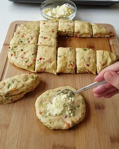 Bread Recipes, Cookie Recipes, Snack Recipes, Snacks, No Gluten Diet, Turkish Kitchen, Turkish Recipes, How To Eat Less, Bakery