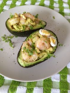 9. Stuffed Avocado With Garlic Shrimp #healthy #whole30 #recipes http://greatist.com/eat/whole30-recipes-for-one