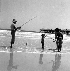 A family surf fishing on Jacksonville Beach (1981). | Florida Memory