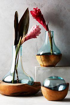 Vase bouteille et teck