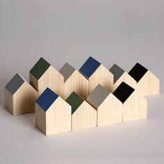 Super fine træhuse - ala Anne Boysen - kan bedst lide når kun taget er malet