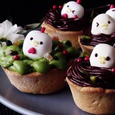 Peeps have nothing on these adorable marshmallow birds.