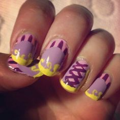 I'm going to be this for Halloween, how great would these nails be?
