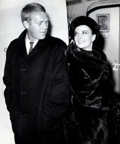 Steve McQueen and Natalie Wood Steven Mcqueen, Old Hollywood Movies, Hollywood Stars, Classic Hollywood, Natalie Wood, The Towering Inferno, Splendour In The Grass, Steve Mc, Mode Vintage