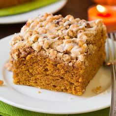Make this Pumpkin Crumb Cake to welcome fall! Lots of pumpkin, lots of spice and tons of crumbs - just the way it should be! <<RECIPE LINK IN PROFILE>>