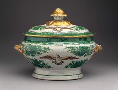 Tureen with cover (part of a service) Date: early century Culture: Chinese Medium: Hard-paste porcelain Dimensions: H. with cover 10 in. 14 in.) Made for the American market Antique China, Vintage China, Royal Copenhagen, Delft, Royal Doulton, Fire Art, Chinese Antiques, Fine Porcelain, Fine China