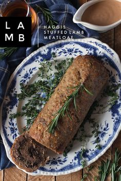 Perfect for Burns Night celebrations, this haggis stuffed lamb meatloaf recipe is very easy to make. Healthy Dinners For Two, Healthy Dinner Options, Fast Dinners, Vegetarian Recipes Dinner, Easy Meals, Simple Meals, Meatloaf Recipes, Pork Recipes, Burns Night Recipes
