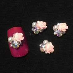 4 3D Rose, Pearl With Pink And White  Rhinestones Nail Charm Cluster