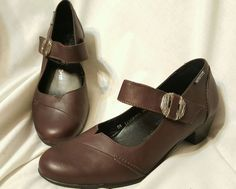 "gently used condition! small scratch on heel of right shoe.<br/><br/>Mephisto women's shoes size 7.5 US 5 EUR. ""Vickie"" dark brown, burgundy Mary jane style pumps, heels. Premium calf leather upper Soft leather lining for lasting comfort Adjustable instep strap for a secure fit Leather-covered, removable Air-Jet cushioned insole Natural rubber outsole is durable, light, and flexible 1 1/2'' heel 