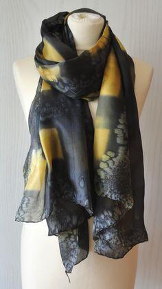 H1080_04_marillo negro Natural, Fashion, Yellow, Black, Silk, Elegant, Moda, Fashion Styles, Fashion Illustrations