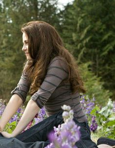 Bella Swan from Twilight - INFP Personality Type Twilight Cast, Twilight Breaking Dawn, Twilight New Moon, Twilight Series, Twilight Movie, Twilight Pics, Kristen Stewart Twilight, Kristen Stewart Movies, Edward Bella