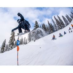 Nothing like Chip's Run laps with a solid crew. #snowboard #snowboarding #utah #snow #powder #snowbird
