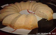 Pastel de atún al microondas. http://lasrecetasdeyoli.blogspot.com.es/2012/09/pastel-de-atun-en-micro.html