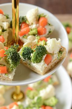 Ranch Veggie Bars | You'll want to make these easy vegetable bars for all of your summer get-togethers!