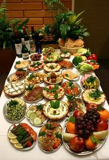 lebanese mezza - Lebanese is well known for its cuisine - Its onw of my dreams to go there:)