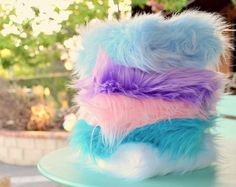 5-pack of super fluffy pastel fur. Great for pretty crafts and sewing projects :)