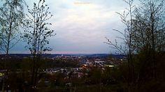 Iserlohn am Abend.  #Iserlohn #Sauerland #NRW #NordrheinWestfalen #Abendhimmel #Panorama #streetphotography #Strassenfotografie  #Bikographer
