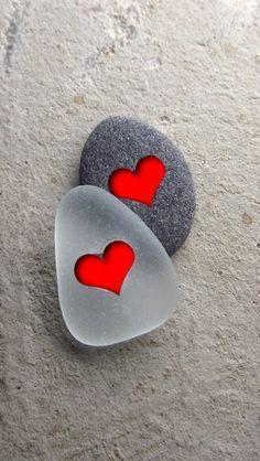 Her er noen Pins vi tror du vil like Love Heart Images, I Love Heart, Heart In Nature, Heart Art, Heart Wallpaper, Wallpaper Backgrounds, Beautiful Nature Wallpaper, Rock Crafts, Pebble Art