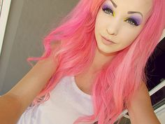Bright pink hair... makes me want cotton candy