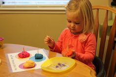 Toddler Approved!: Simple Tips for Helping Toddlers Play Independently