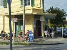 Cake Cafe, New Orleans - Best cinnamon rolls ever!