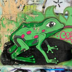 Wien, jetzt oder nie! 8/9 . Grafitti-Momente von Wiener Donaukanal. Kostenloses eBook über die Donaumetropole: www.yumpu.com/s/bwFfCdUnQc2g4SRB   #vienna #austria #welovevienna #viennanow #österreich #streetart #art #artist #urban #streetphotography #graffitiart #travel #photooftheday Graffiti Art, 360 Grad Foto, Street Photo, Ebooks, Animals, Pictures, Tourism, Destinations, Animales