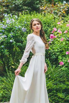 Robes de mariée d'Adeline Bauwin - Collection 2016 | Modèle: L'Envoutante | Crédits: Cécile B.Photographies | Donne-moi ta main - Blog mariage