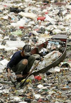 The Heavily Polluted Citarum River in Indonesia is Considered the World's Dirtiest   VITAFUNNY
