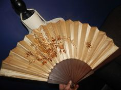 ANTIQUE REAL SILK Hand Embroidered EVENTAIL WOODEN WOOD Fan CHINESE HUGE QING