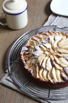 Pour vos goûtes d'automne qui sentent bon la cannelle, essayez cette recette de gâteau aux pommes et au mascarpone très moelleux