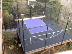 Backyard courts images, including multi-sport game courts, backyard basketball courts, outdoor commercial courts, futsal courts and batting cages by Sport Court St. Outdoor Basketball Court, Basketball Court Flooring, Futsal Court, Basketball Bedroom, Basketball Socks, Basketball Players, Backyard Sports, Sloped Backyard, Home Sport