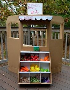 Best Ideas fruit and vegetables preschool activities dramatic play Can Lanterns, Cardboard Crafts, Cardboard Boxes, Cardboard Furniture, Cardboard Playhouse, Cardboard Box Ideas For Kids, Playhouse Furniture, Cardboard Castle, Dramatic Play Area