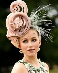 Hattricks by Michelle Flapper Headpiece, Fascinator Hats, Fascinators, Headpieces, Ascot Hats, Adventure Style, Millinery Hats, Fancy Hats, Derby Hats