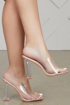 high heels – High Heels Daily Heels, stilettos and women's Shoes Clear Heel Shoes, Clear Block Heels, Shoes Heels, Heeled Sandals, Heels Outfits, Sandals Outfit, Clear High Heels, Shoes Gif, Kd Shoes