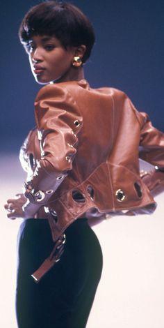 Fondazione Gianfranco Ferré / Collections / Woman / Prêt-à-Porter / 1990 / Spring / Summer