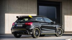 Mercedes-AMG GLA 45 4MATIC: At the helm of the model series is the Mercedes-AMG GLA 45 4MATIC, with an especially sporty host of equipment being offered in the Yellow Night Edition.