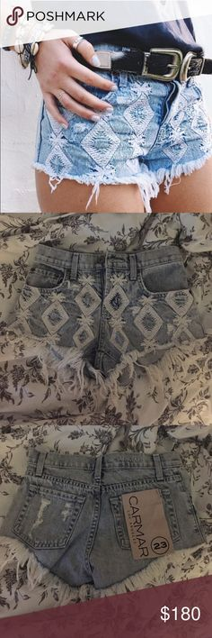 LF Carmar Cutoffs Light wash mid rise shorts. White embroidered diamond detail. Frayed hem. Size 23, true to size. NWT. ❌No trades❌ LF Shorts