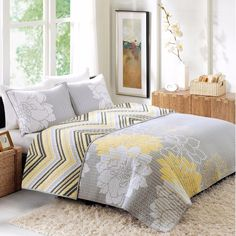 Better Homes & Gardens Reversible Quilt Bedspread Yellow Grey Floral KING SIZE #BetterHomesGardens