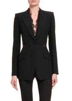 Alexander Mcqueen Couture, Alexander Mcqueen Savage Beauty, Alexander Mcqueen Clothing, Suit Fashion, Look Fashion, Fashion Outfits, Blazer Fashion, Fasion, Lace Jacket