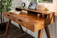 Konzola z masívu MONARCH II. Wooden Study Table, Diy Wood Desk, Wood Table, Study Table Designs, Hallway Designs, Home Office Design, Room Inspiration, Office Desk, Home Furniture