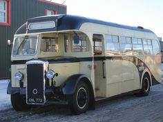 Vintage bus Train Truck, Tow Truck, Big Trucks, Bedford Buses, Mercedes Bus, Bus City, M Benz, Rv Bus, Routemaster