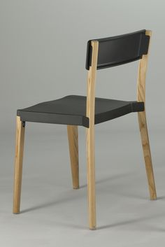 [CRAFT+DESIGN] Lancaster Chair by Michael Young – Emeco goes Wood!