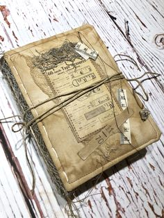 Sewing themed junk journal/needle book - flip through Vintage Sewing Notions, Vintage Sewing Machines, Journal Covers, Book Journal, Bullet Journal, Handmade Journals, Vintage Journals, Vintage Notebook, Sewing Spaces